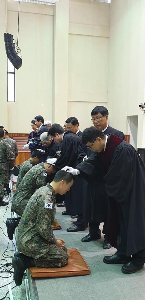 육군부사관학교 후보생 세례2.jpg