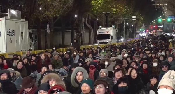 청와대 앞 광야교회.jpg