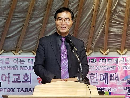 오병이어교회 권영구목사.jpg